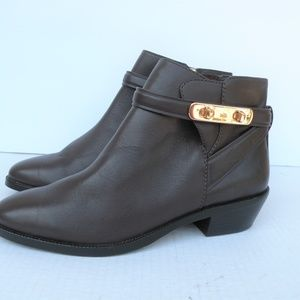 COACH LEATHER ANKLE BOOTS SIZE 7 B